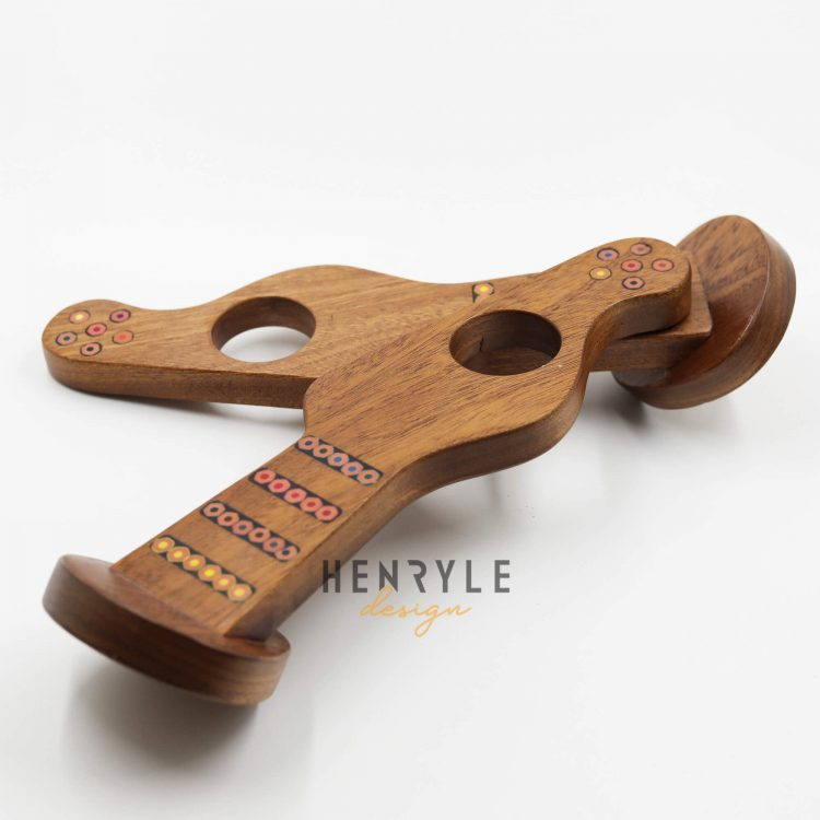 Colored-Pencil Balance Guitar Wine Bottle Holder