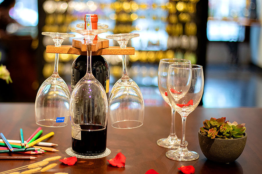 Colored-Pencil Wine Bottle Holder with 2 Long Stem Glasses3