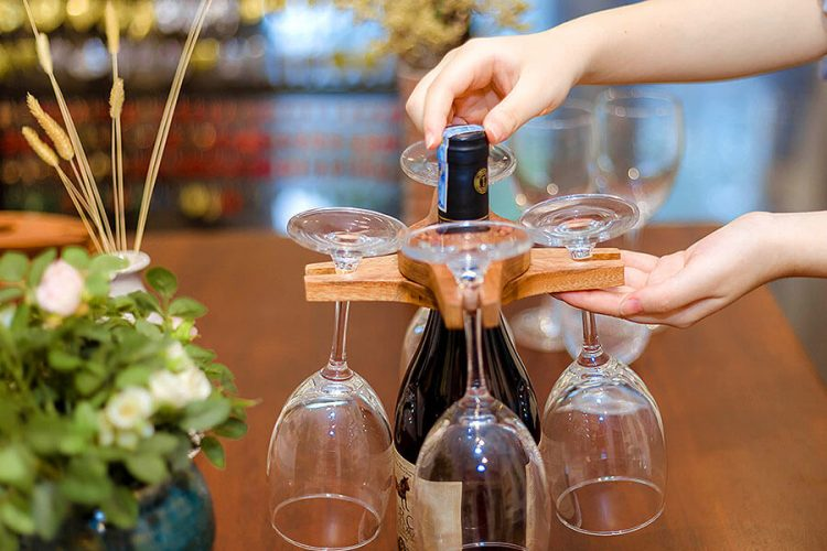 Colored-Pencil Wine Bottle Holder with 2 Long Stem Glasses4