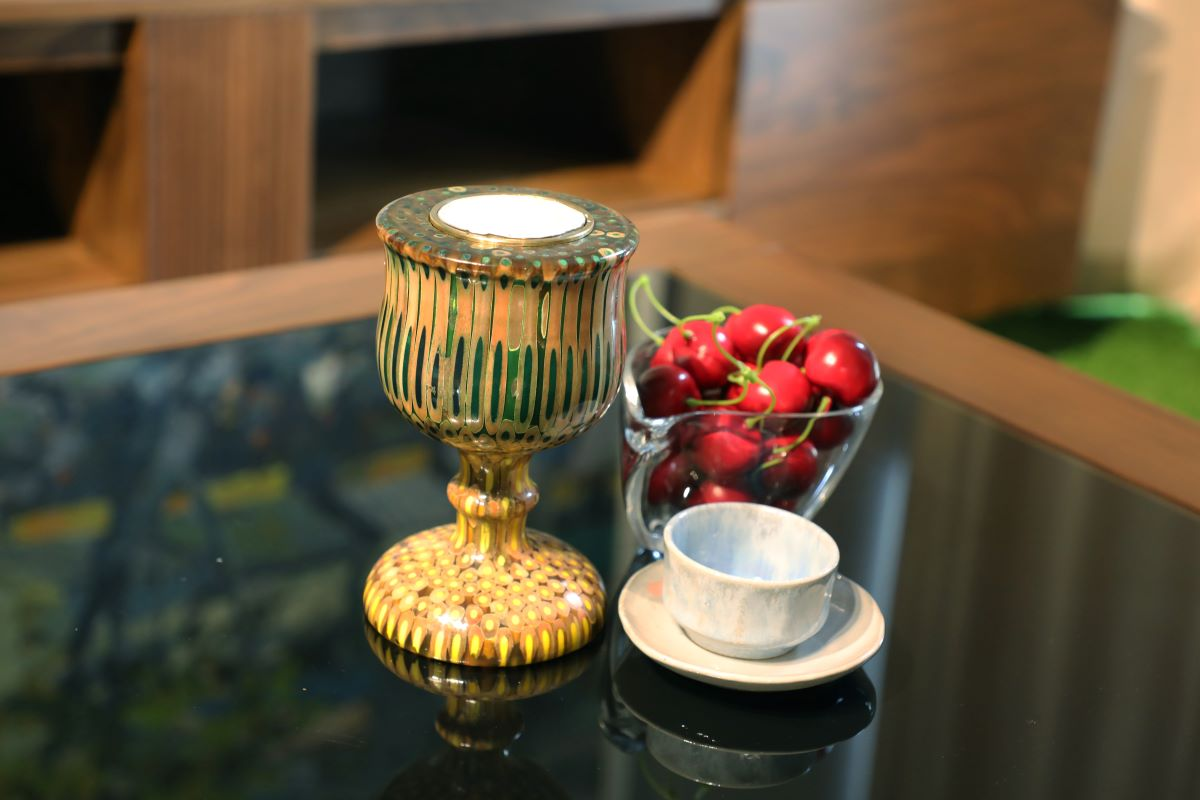 Decorative Colored-pencil Emperess Candle Holder