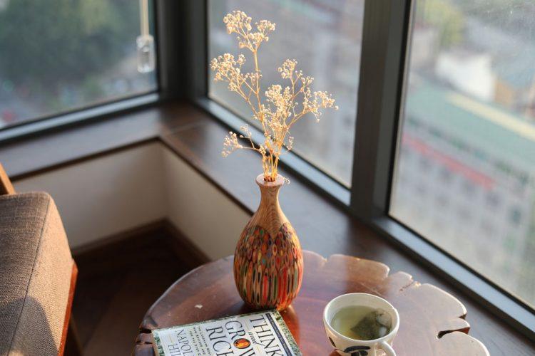 Decorative Colored-pencil Pipa Vase