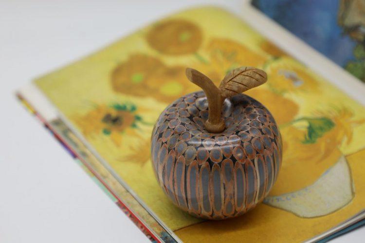 Decorative Wooden Colored-pencil Aleo Apple