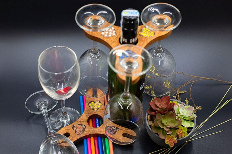 Triangle Colored-Pencil Wine Bottle Holder with 3 Long Stem Glasses5